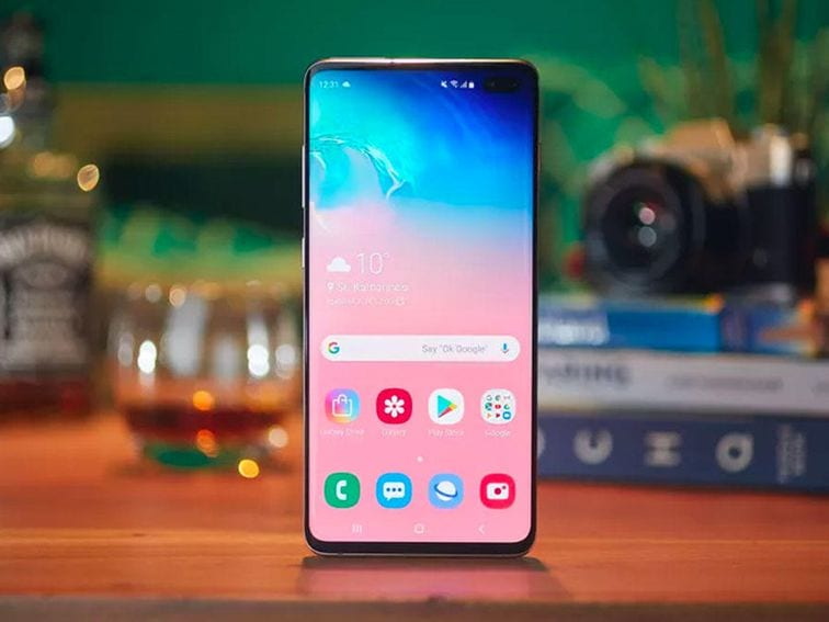 The Galaxy S10 offers and their best prices on Amazon, Best Buy and Walmart