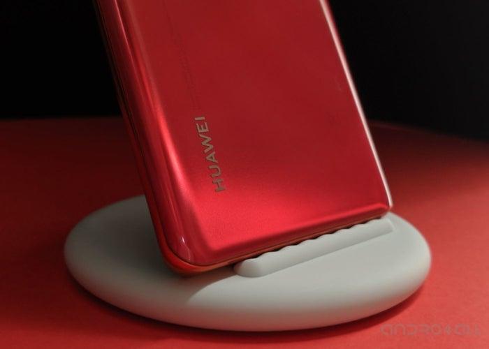 Huawei P30 Pro charging base