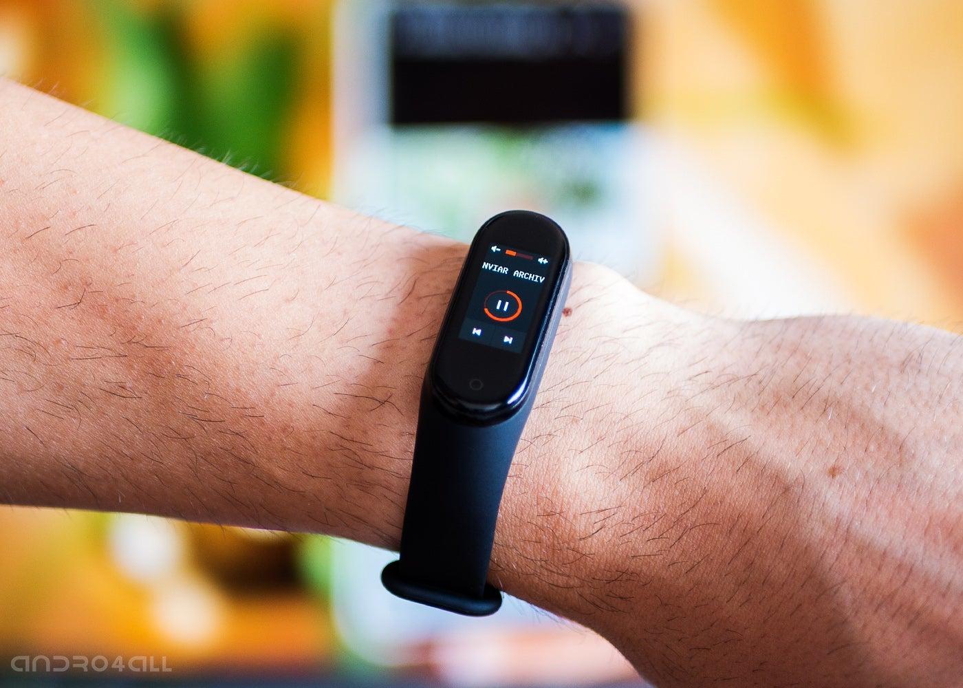 Mi Band 4, control Chromecast or Smart TV content