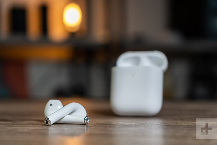 The charging case of the Airpods 2 is superior to that of the Jabra Elite Active 65t.