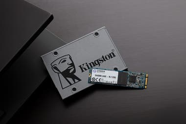 SSDs come to replace conventional hard drives and are available in two formats: SATA and M.2, such as Kingston; the use of one or the other will be determined by the connection offered by the PC