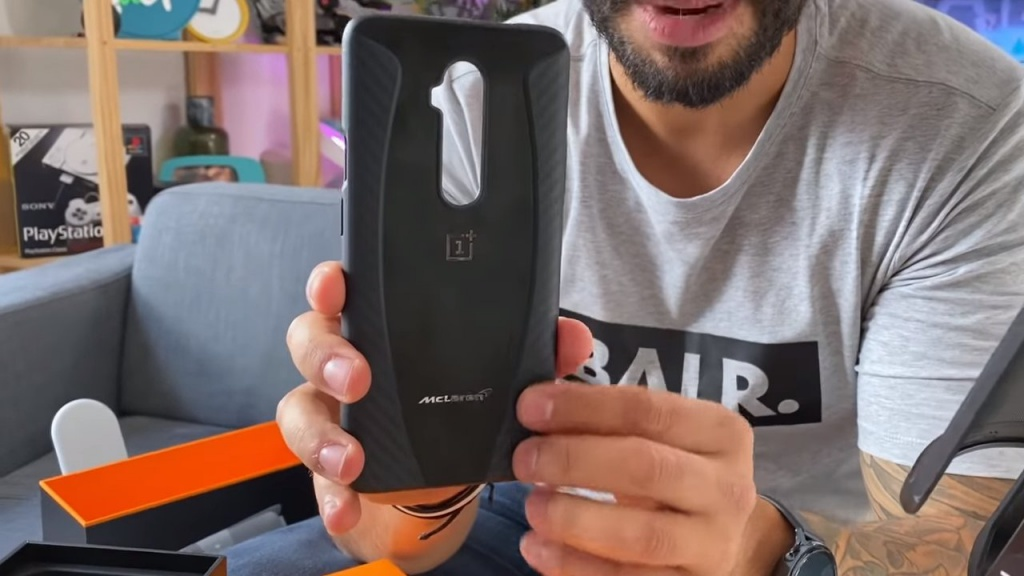 Case included in the OnePlus 7T Pro McLaren
