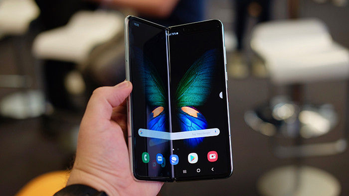 "android mobile flexible galaxy fold ""width ="" 700 ""height ="" 394"