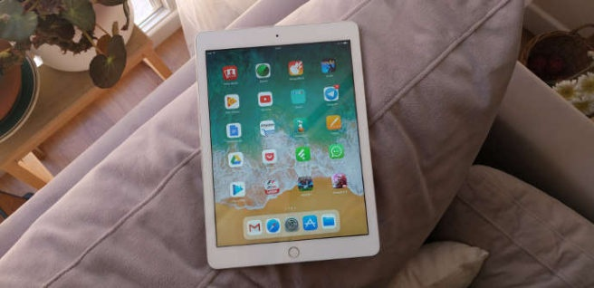 "New iPad 2017 with iOS 11 ""width ="" 656 ""height ="" 318 ""srcset ="" https://www.funzen.net/wp-content/uploads/2019/10/1572332825_404_The-best-tablets-of-2018-in-relation-quality-price.jpg 656w , https://tabletzona.es/app/uploads/2017/06/iOS-11-en-iPad-9.7-300x146.jpg 300w, https://tabletzona.es/app/uploads/2017/06/iOS- 11-en-iPad-9.7-634x308.jpg 634w, https://tabletzona.es/app/uploads/2017/06/iOS-11-en-iPad-9.7.jpg 690w ""sizes ="" (max-width: 656px) 100vw, 656px"