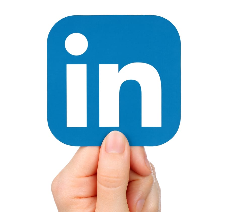 How to build professional networks using LinkedIn