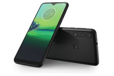 The Moto G8 Play is the version equipped with MediaTek chip and a triple camera