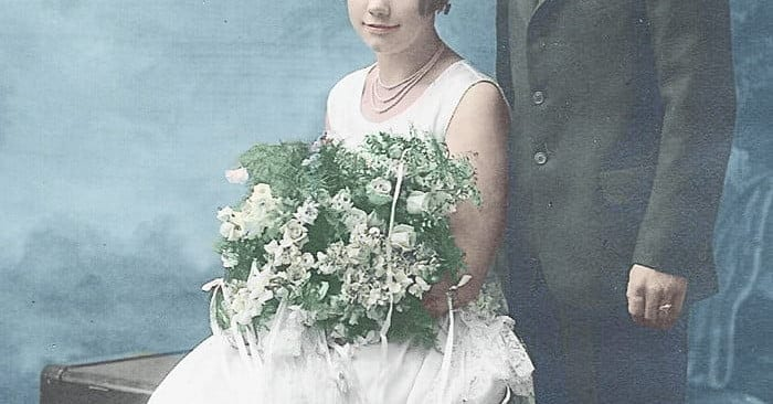 How to color black and white photos to give them new life