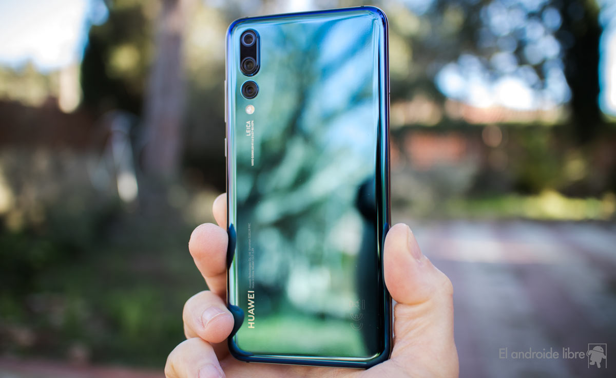 The Xiaomi Mi 8 against its rivals: Galaxy S9, Huawei P20 Pro, iPhone X ...