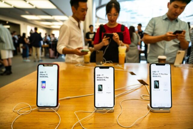 iphone sales in china
