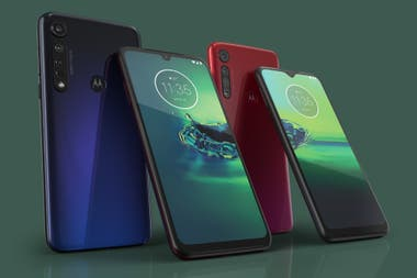The two colors of the Moto G8 Plus
