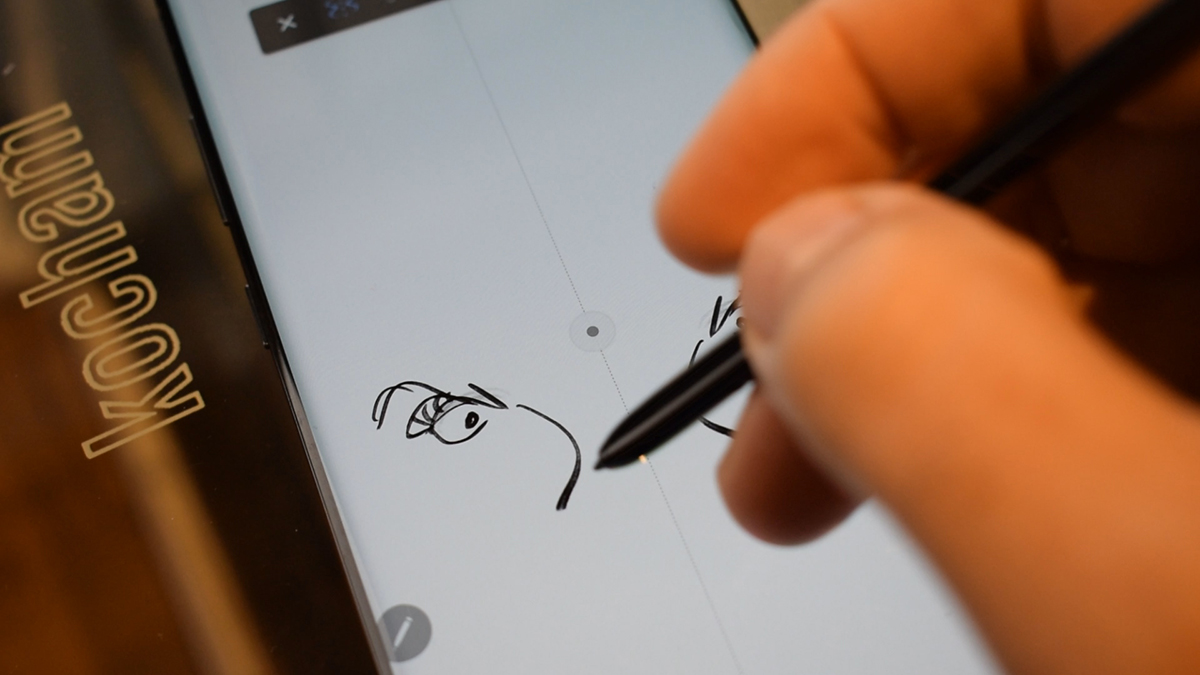 Drawing with the S Pen on the Galaxy Note 10