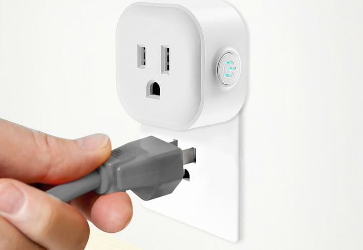 what are smart outlets
