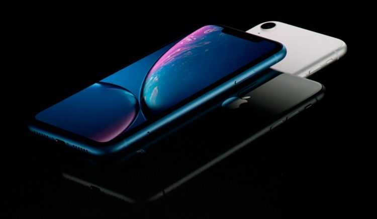 iPhone Xr against its direct rivals
