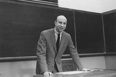 Melvin Kranzberg in the 1960s; when he founded the Society of the History of Technology