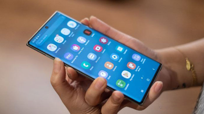 """OS Galaxy Note 10 """"width ="""" 700 """"height ="""" 392"""