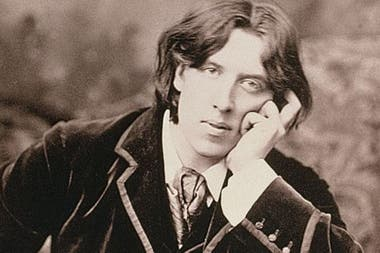 At the time of Oscar Wilde, homosexuality was considered an obscene conduct and severely punished with prison, where he had to walk a tape in Pentonville prison