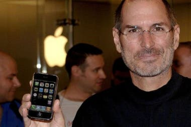 Although many first saw the touch screen with the launch of Apple's first iPhone, that company did not invent the technology