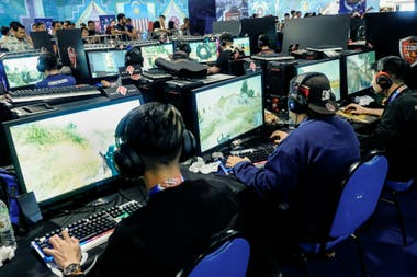 An eSports tournament implies great pressure, so the psychological issue has a preponderant role