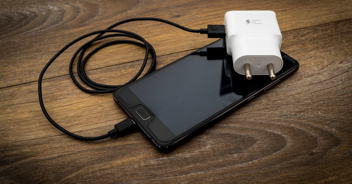 The European Union votes in favor of the universal cell phone charger