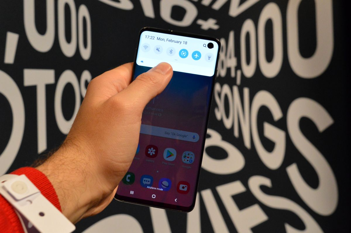 The Samsung Galaxy S10 arrive in a new version in red