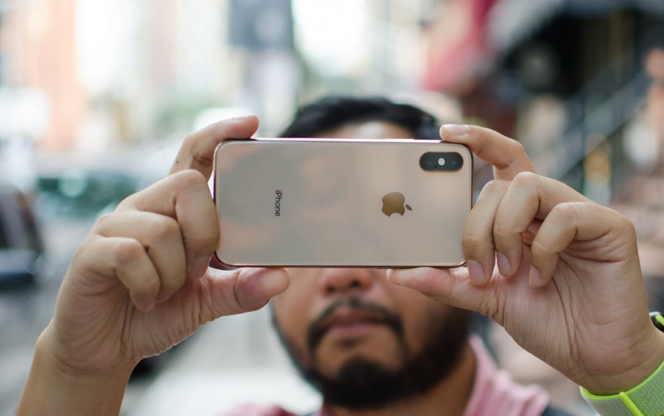 The iPhone XS is one of the best cell phones to do business.