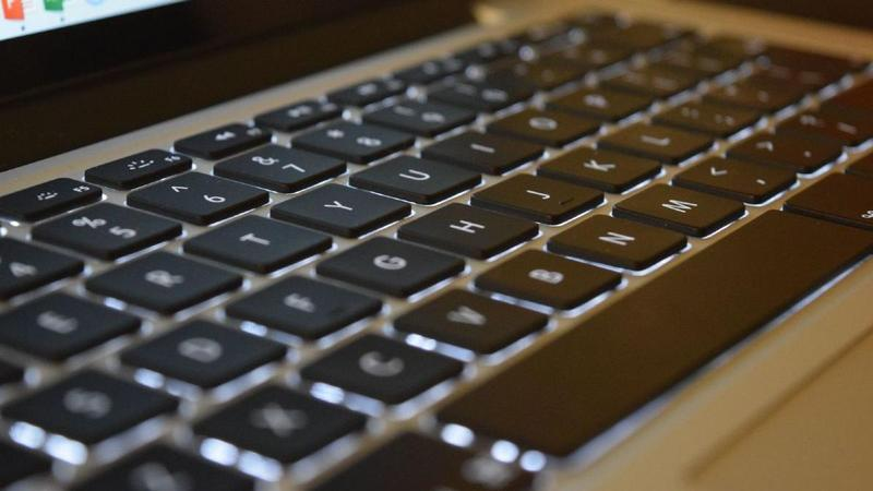 How to clean and disinfect your keyboard