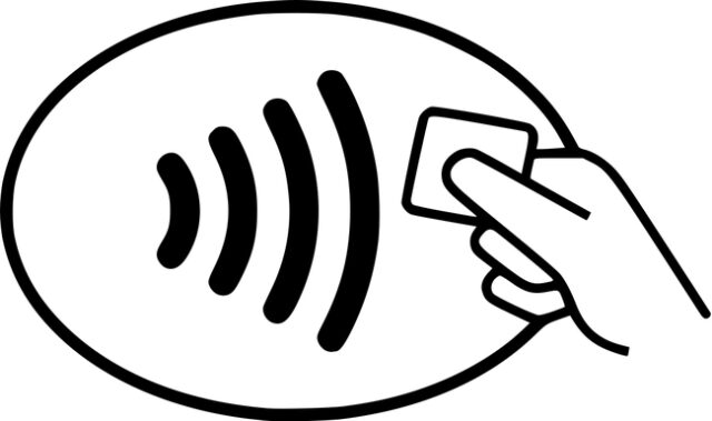 "contactless ""width ="" 640 ""height ="" 379 ""class ="" aligncenter size-large wp-image-297674 ""srcset ="" https://www.funzen.net/wp-content/uploads/2020/03/1584693364_630_Set-up-Apple-Pay-on-your-iPhone-and-Apple-Watch.jpg 640w, https : //t.ipadizate.es/2020/03/contactlesswannacash-320x190.jpg 320w, https://t.ipadizate.es/2020/03/contactlesswannacash.jpg 650w ""sizes ="" (max-width: 640px) 100vw , 640px ""/></p><p>Then these are the steps you should follow:</p><ul><li><strong>From an iPhone</strong>: you just have to bring your iPhone closer to the TVP contactless and your iPhone show the Apple Pay cards, identify yourself with Face ID or Touch ID and bring the device closer. Vibrate when the action is complete. You can also <strong>activate Apple Pay by pressing 3 times on the side button</strong> on iPhone with Face ID.</li><li><strong>From an Apple Watch</strong>: you only have to <strong>press the side button twice and zoom in on your Apple Watch</strong> to the terminal. You must have a lock code configured, although you will not be asked for it at the time of the transaction, only when you put on the Apple Watch.</li></ul><p>From now on, you can go outside without a wallet and pay comfortably from the iPhone or Apple Watch without having to touch the card or the phone to put the PIN.</p><p></p><!-- WP QUADS Content Ad Plugin v. 1.8.17 --><div class="