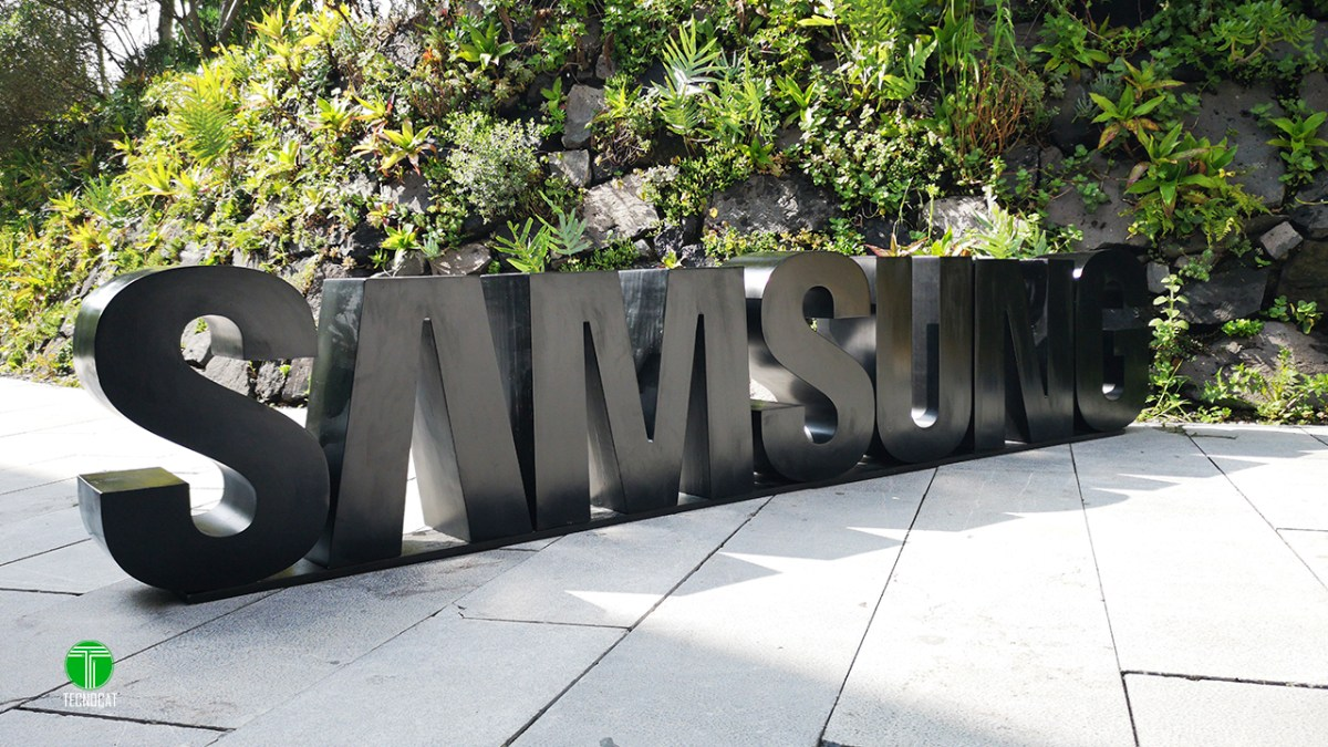 Samsung introduces the Smart Things ecosystem and IoT solution