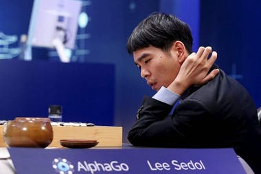 AlphaGo defeated Lee Sedol three times, but the specialty champion managed to beat the Google system in the fourth of the five agreed matches