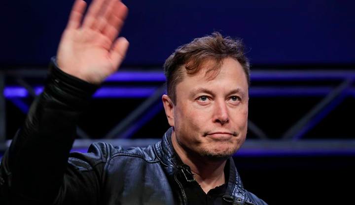 Elon Musk, donates fans to California