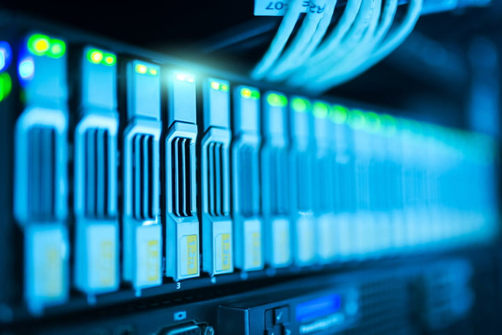 Arrangement of disks for mass data storage in the data center as the best option in the cloud