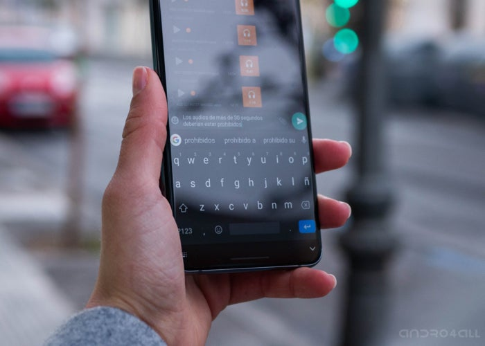 WhatsaAPP WITH dark theme on Android